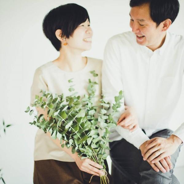 夫婦の結婚記念日写真