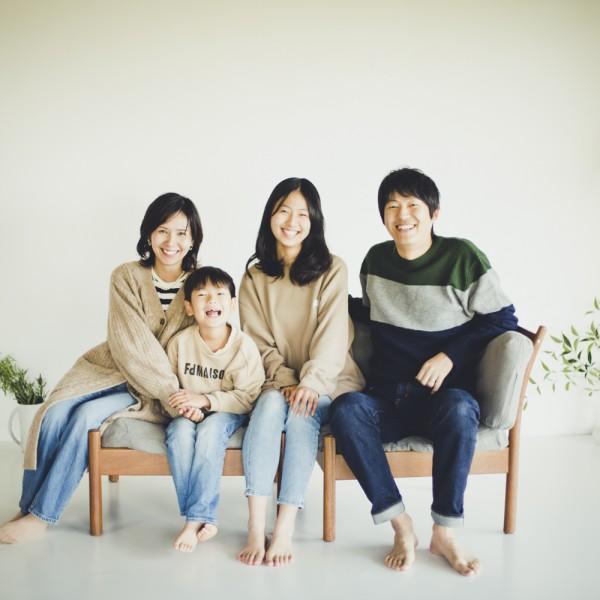 自然体の家族写真 素敵な家族