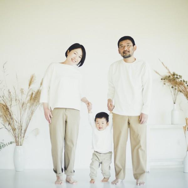 おしゃれで自然な家族写真